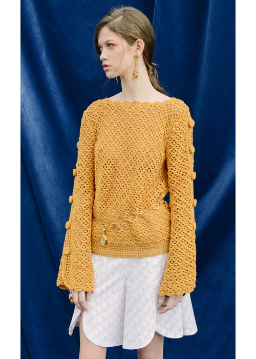 BUTTONED SLEEVES SWEATER